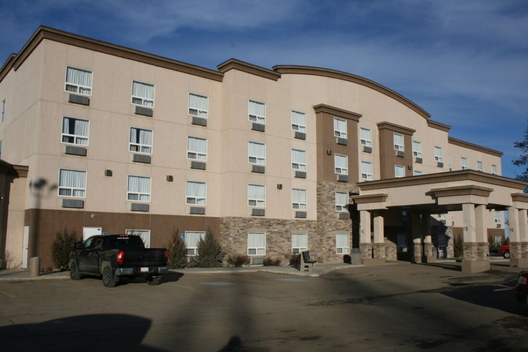 service-plus-inns-and-suites-drayton-valley